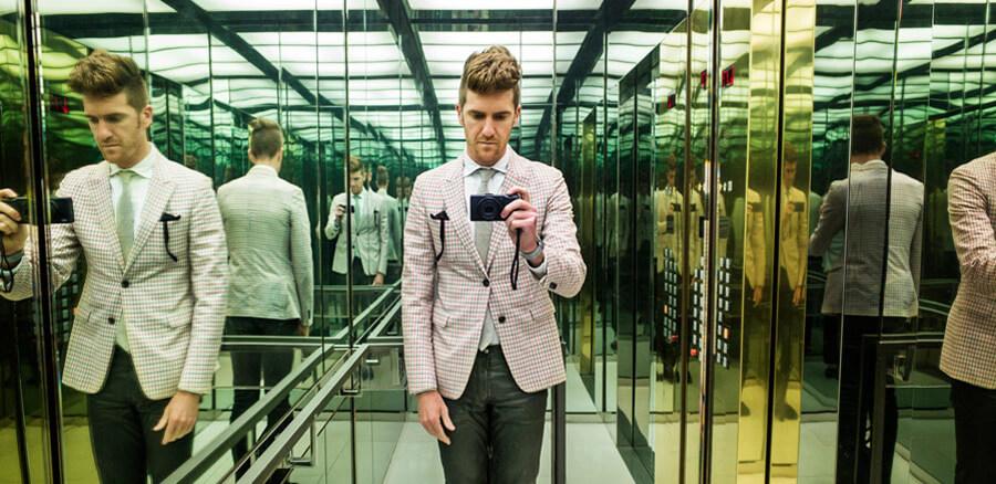 tomarse selfies y fotografías dentro del elevador ha ayudado a las empresas con la publicidad de sus marcas